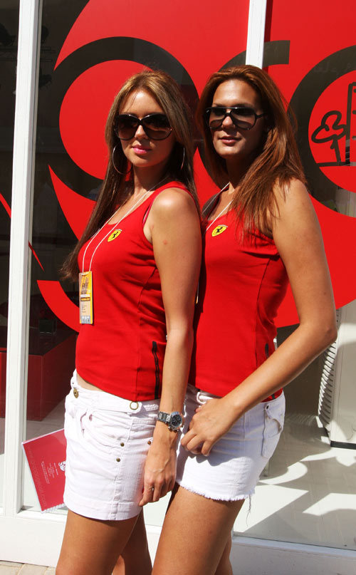 A girl in the pits at the Abu Dhabi Grand Prix
