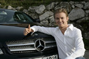 Nico Rosberg signs with Mercedes