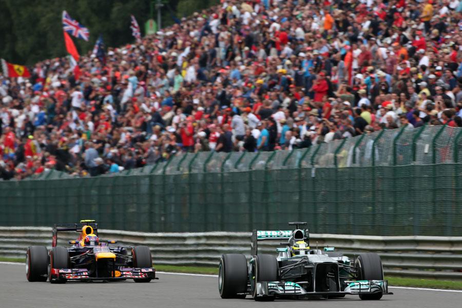 Nico Rosberg heads Mark Webber on the Kemmel Straight