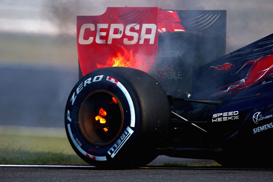 Jean-Eric Vergne's brakes overheat and catch fire
