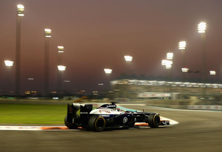 Pastor Maldonado on soft tyres as the sun sets