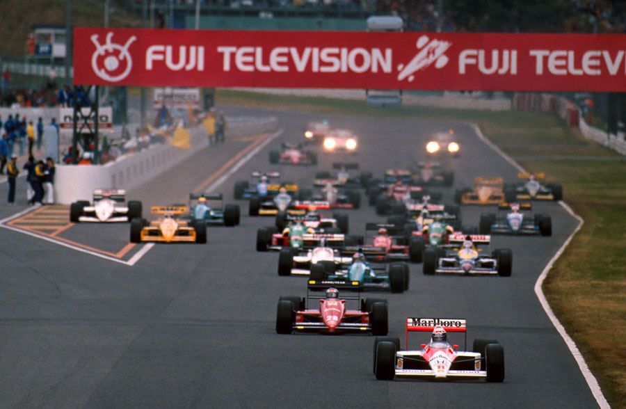 Ayrton Senna wins thrilling Japanese finale to land first