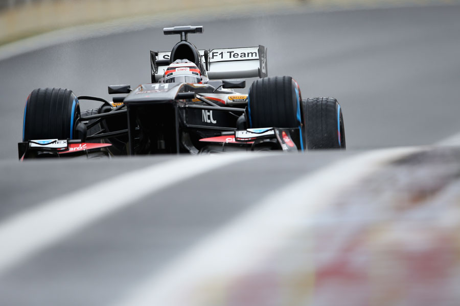 Nico Hulkenberg returns to the pits on full wet tyres