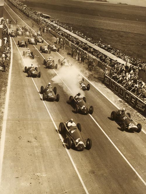 Competitors at the start of the French Grand Prix at Rheims