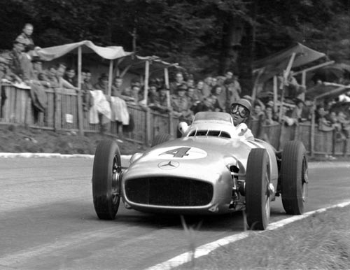 Juan Manuel Fangio on the way to winning the Swiss Grand Prix
