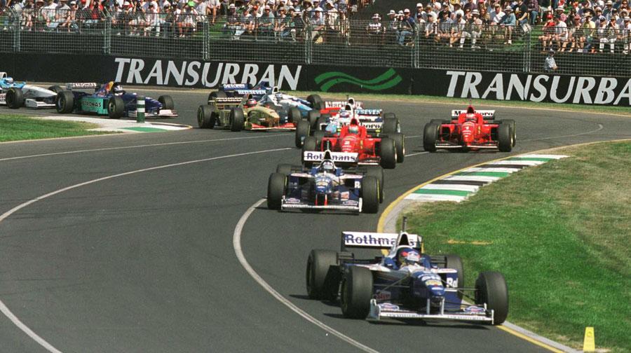 Debutant Jacques Villeneuve leads into the first corner at Melbourne