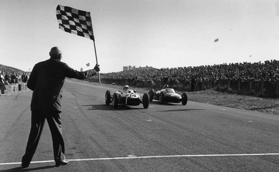 Stirling Moss pips Richie Ginther to fourth place