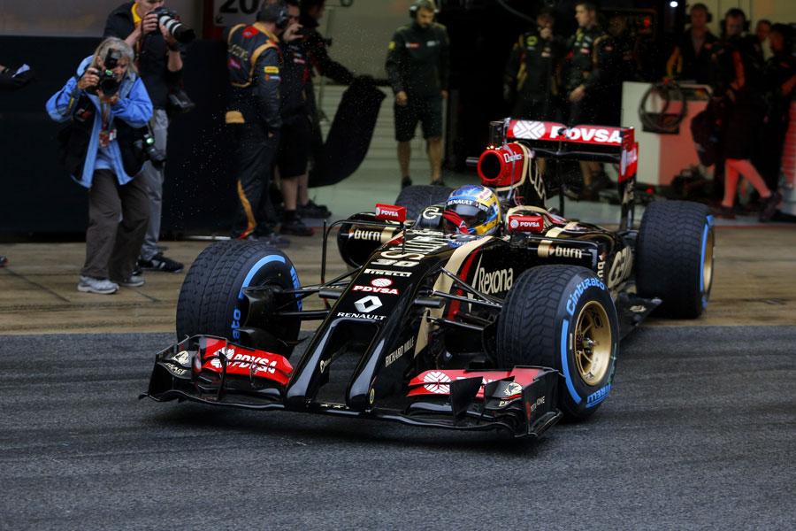 Charles Pic leaves the Lotus garage