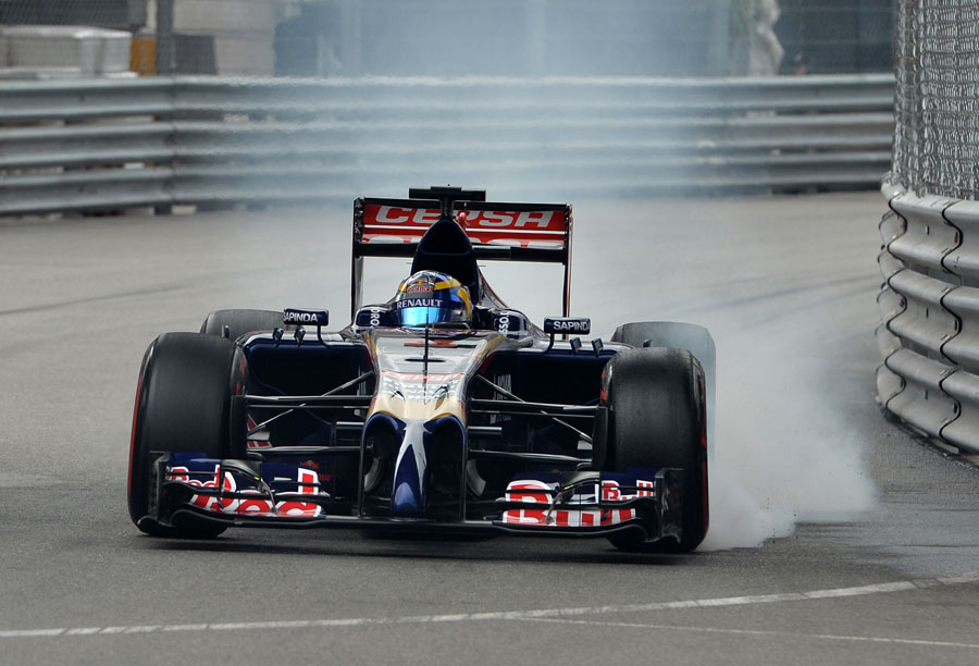 Jean-Eric Vergne snatches a brake on the approach to a corner