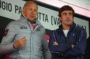 Fernando Alonso chats with former professional cyclist Vittorio Adorni at the Giro d'Italia