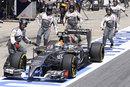 Sauber retrieve Esteban Gutierrez's car after a wheel was not fitted correctly