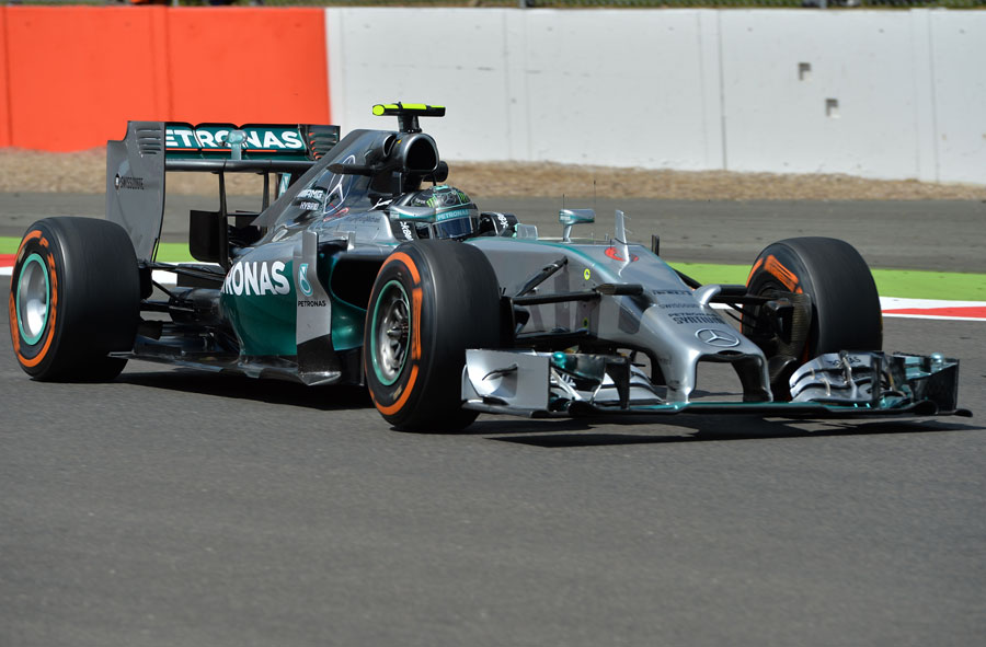 Nico Rosberg on the hard tyre during FP1