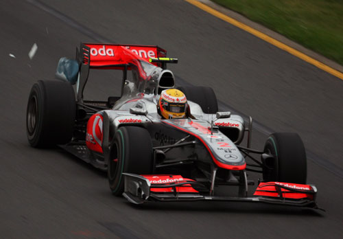 Body work falls off Lewis Hamilton's McLaren