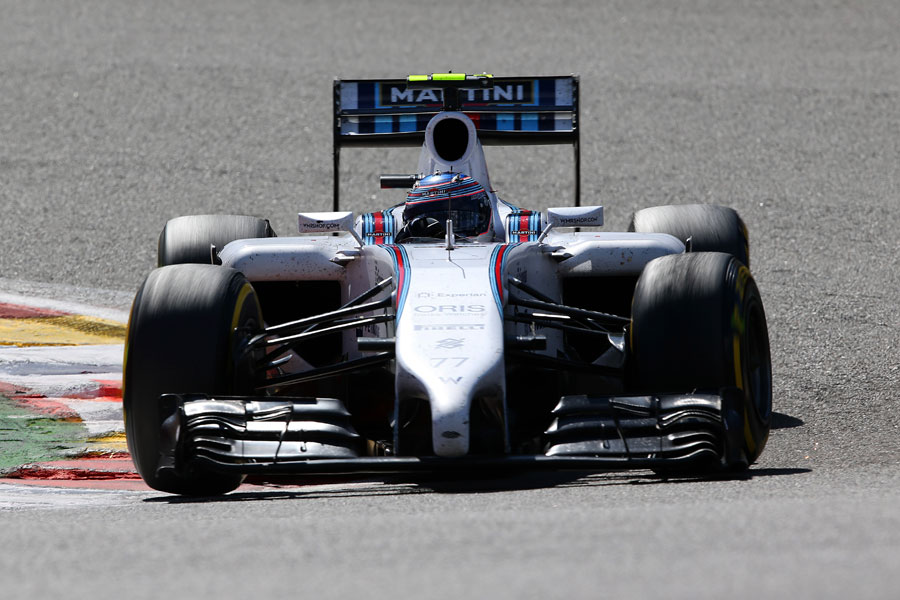 Valtteri Bottas rounds the apex