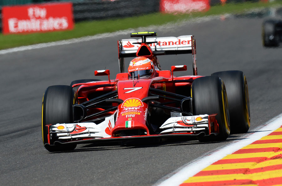 Kimi Raikkonen powers down the Kemmel Straight
