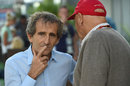 Alain Prost talks to Niki Lauda in the paddock