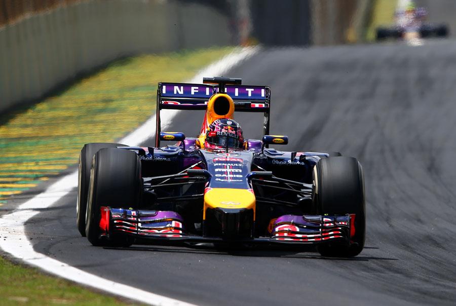 Sebastian Vettel approaches Turn 1