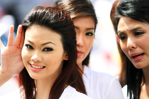 Malaysian grid girls on grand prix Sunday