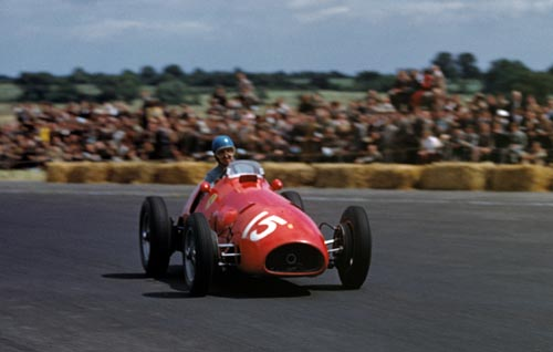 Alberto Ascari wins the 1952 British Grand Prix