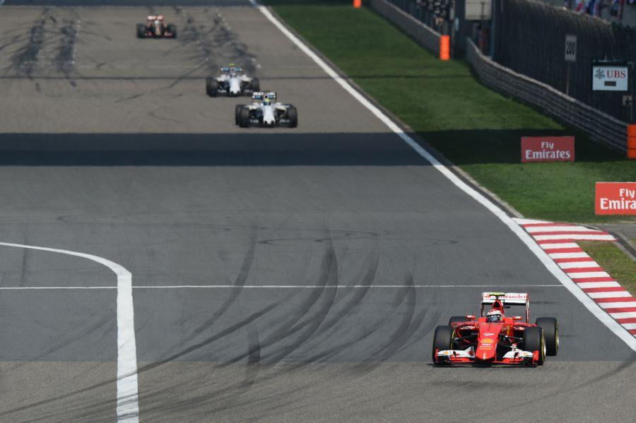 Kimi Raikkonen exextends his lead