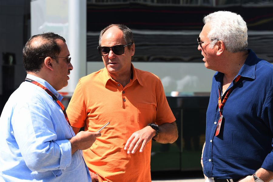 Gerhard Berger chats with Sheikh Mohammed bin Essa Al Khalifa and Lawrence Stroll
