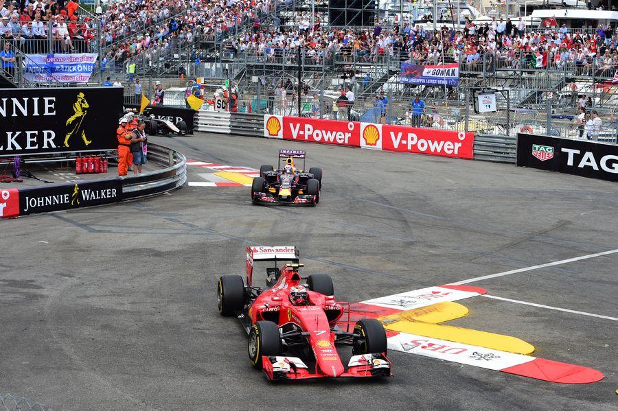Kimi Raikkonen leads Daniel Ricciardo