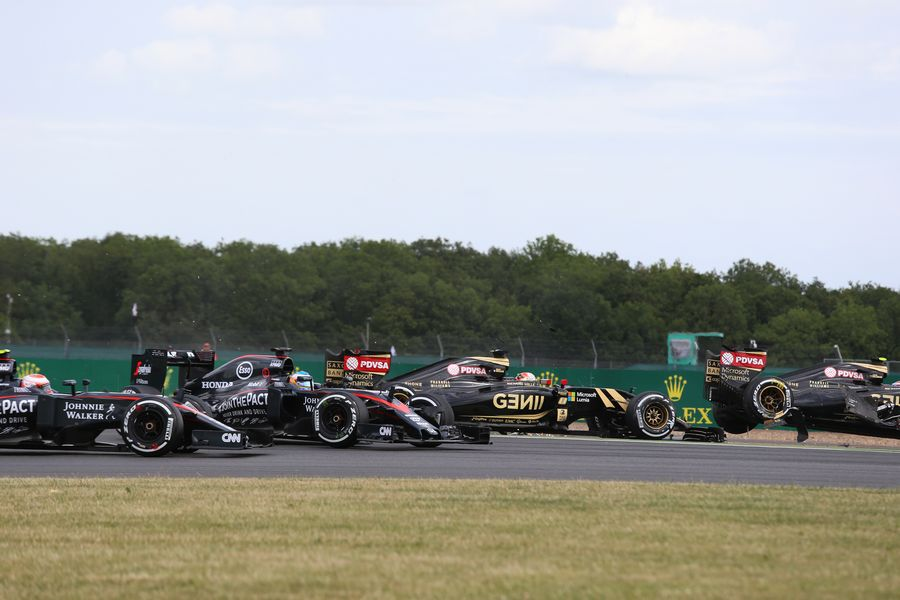 The opening lap incident involiving the Lotuses and the McLarens