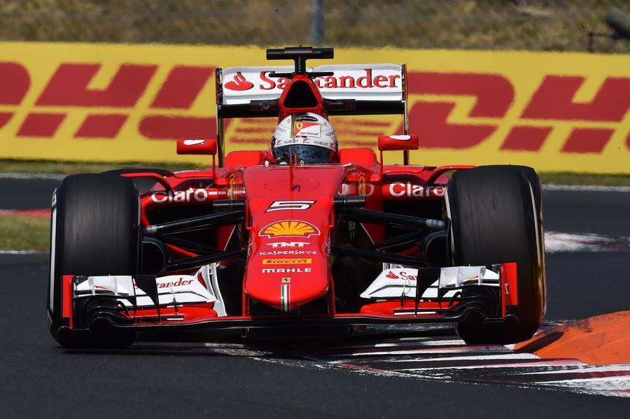 縁石に乗るベッテル | Formula 1 画像 | ESPN F1