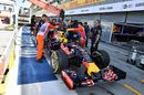 Daniel Ricciardo's RB11 returns to the pit after stopping on track in FP3