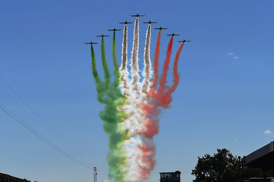 Fly past at Monza