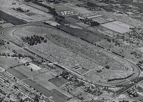 An aerial view of Indianapolis in 1955