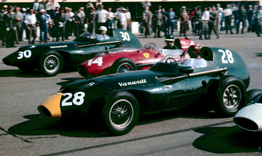 Tony Brooks and Stewart Lewis-Evans in the Vanwalls with Mike Hawthorn's Ferrari 246/F1 between them