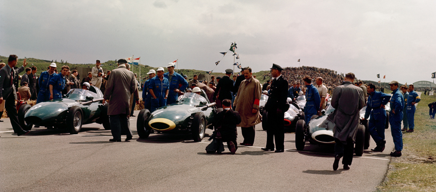 The Vanwalls of Stirling Moss, Tony Brooks and Stuart Lewis-Evans fill the front row of the grid for the start of the Dutch Grand Prix