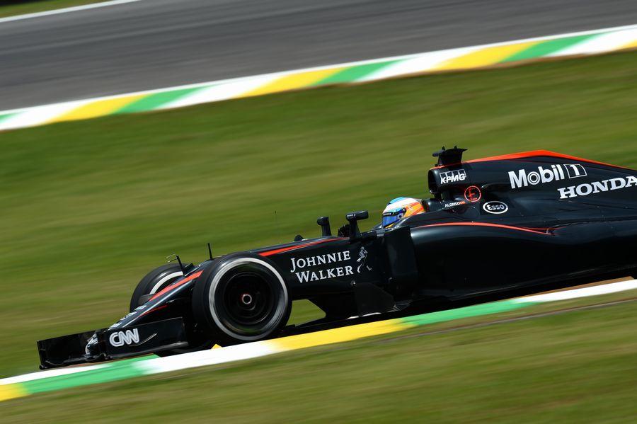 ... を煮詰めるアロンソ | Formula 1 画像 | ESPN F1