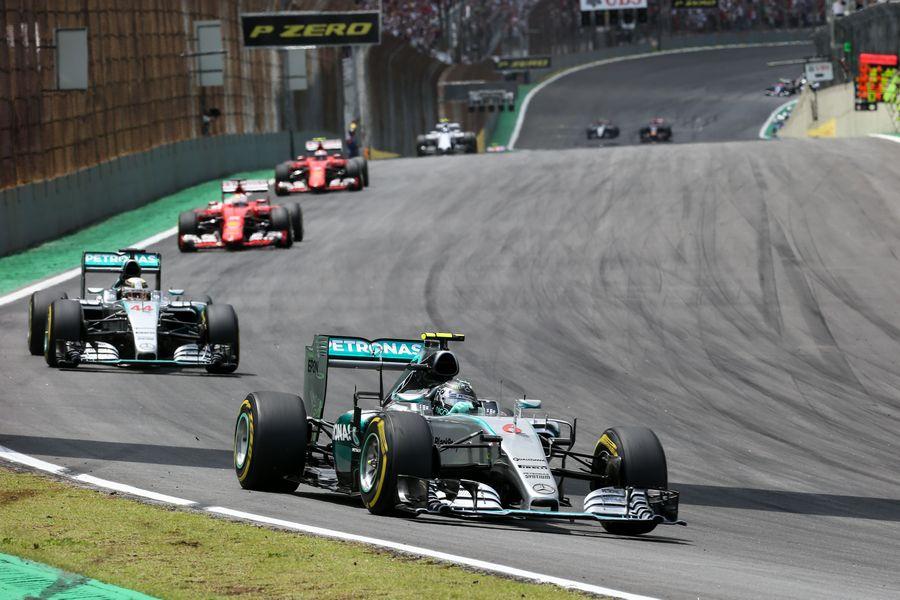 Nico Rosberg keeps his lead