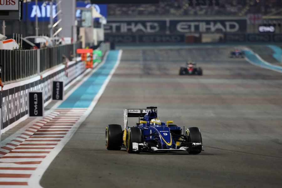 Marcus Ericsson works hard to keep pace
