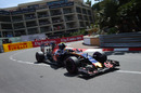 Carlos Sainz works hard to keep its pace
