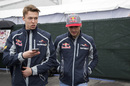 Daniil Kvyat chats with Carlos Sainz