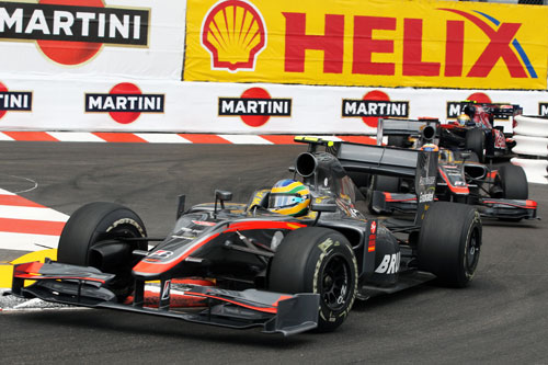 Bruno Senna leads Karun Chandhok through the Nouvelle Chicane