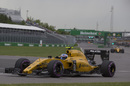 Jolyon Palmer on a ultrasoft tyre run in the Renault