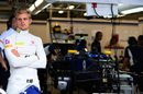 Marcus Ericsson waits for getting work done by the team