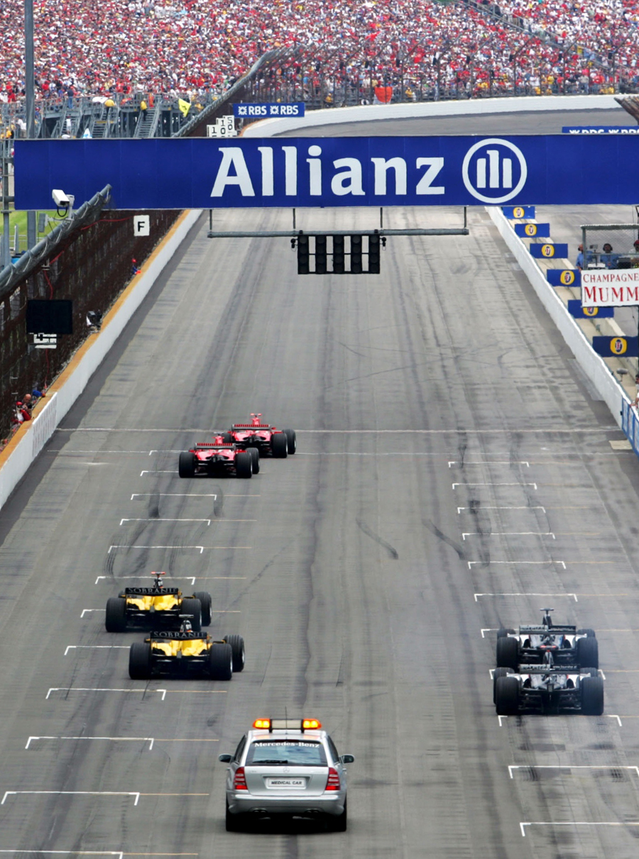 The start of the 2005 United States Grand Prix with only six cars