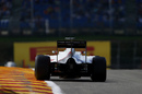 Esteban Gutierrez works hard to keep his pace