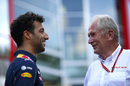 Daniel Ricciardo talks with Helmut Marko in the paddock