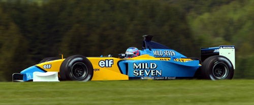 Jenson Button in action for Renault at the 2003 Austrian Grand Prix