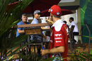 Sebastian Vettel chats with Pascal Wehrlein