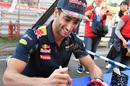 Daniel Ricciardo signs autographs