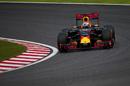 Daniel Ricciardo puts on hard tyres