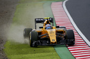 Jolyon Palmer runs wide in the Renault
