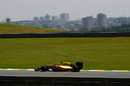 Jolyon Palmer works hard to keep its pace